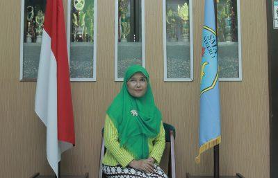 Dra Sri Suharti